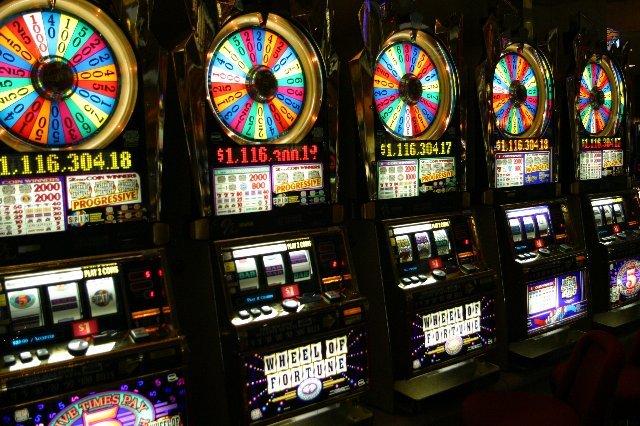 Бонусыот казино Космолот
