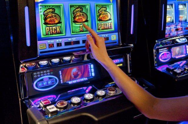 Игорный мир в ваших руках с казино SuperSlots