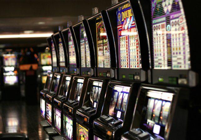 В какие игры я могу играть на реальные деньги в казино Вулкан?