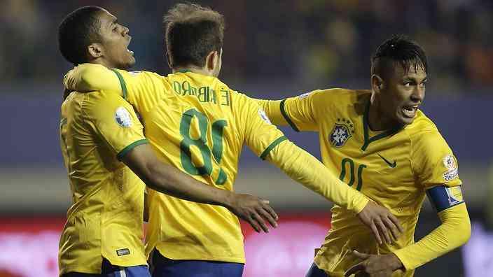 В Бразилии хвалят Дунгу за Дугласа Косту
