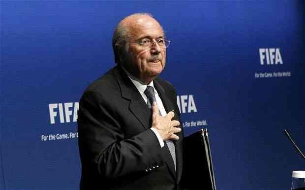 Йозеф Блаттер: «Мне жаль, что со мной, президентом ФИФА, обращаются как с боксерской грушей»