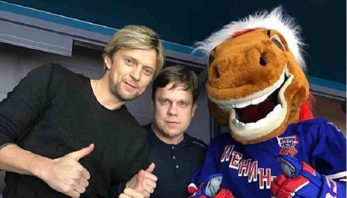 Анатолий Тимощук (слева)