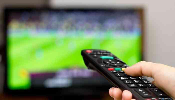 Футбол на ТВ